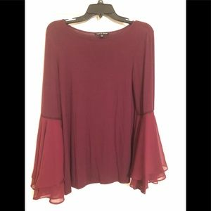 Gorgeous wine Cable & Gauge Sz M bell-sleeves top
